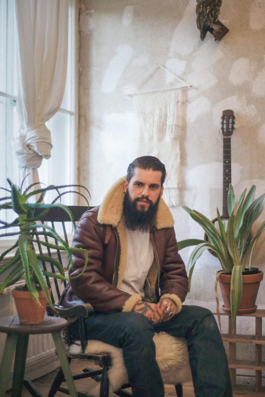Guys-on-clothes-flore-schmidt-oe-magazine-6
