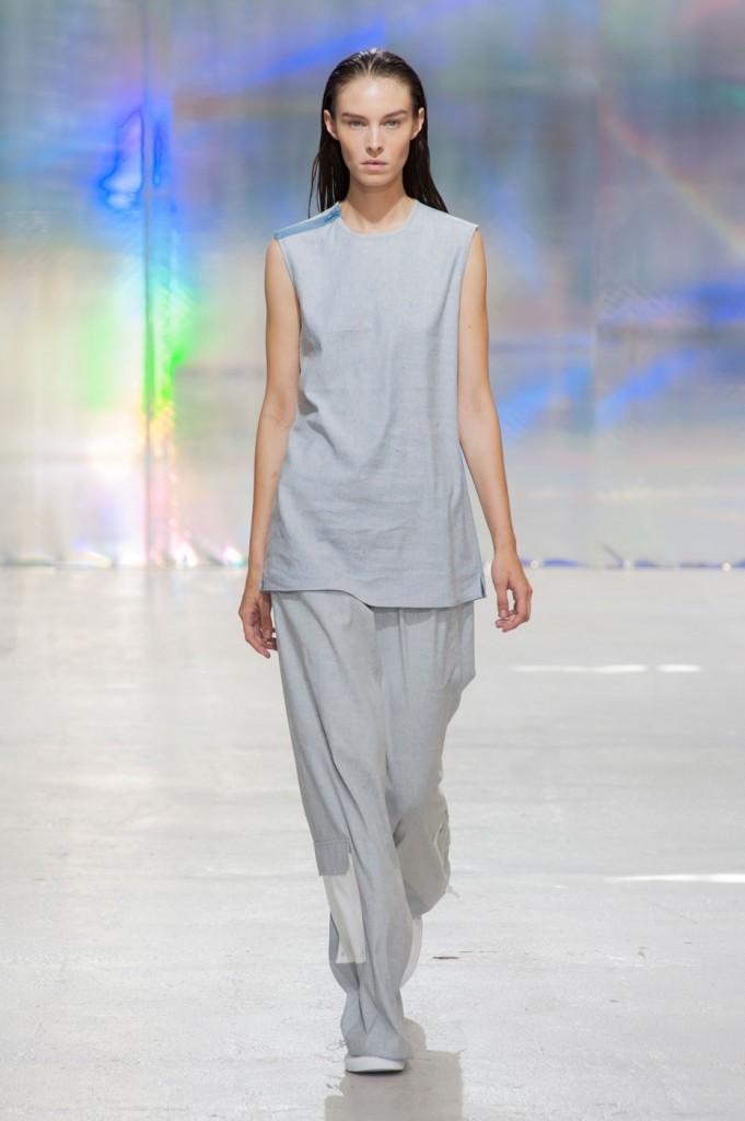 22-4-hommes-femmes-mens-fashion-runway-show-the-impression-spring-2015-027-681x1024