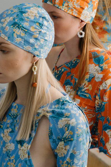 Clothing by Adriane Lila Fecke. Earrings by Véronique Schweizer.